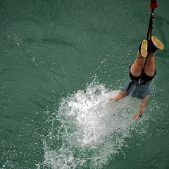 Kawarau Bridge - Bungee dipping photo